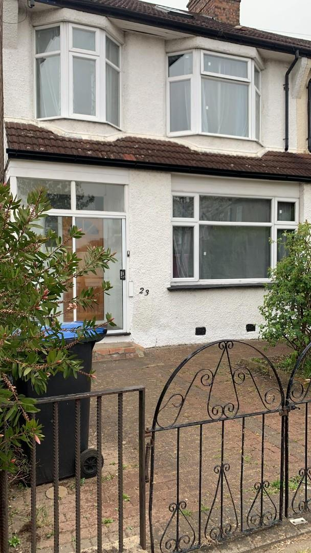 5 Bedroom House For Rent Pevensey Avenue,, New Southgate,